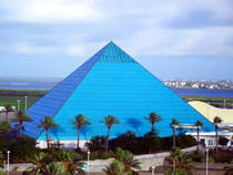 Aquarium Pyramid at the Moody Gardens in Galveston, Texas © Supportstorm